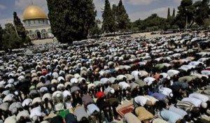 Shalat di Al Aqsa