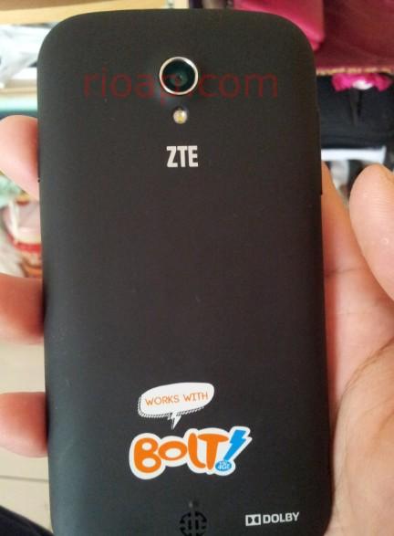 ZTE V9820